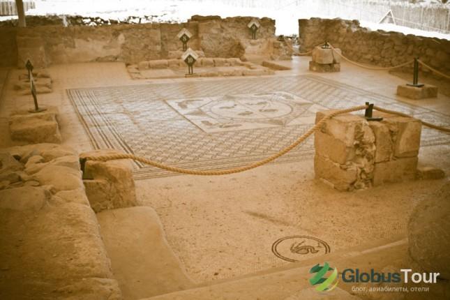 Мозайка на полу древней синагоги