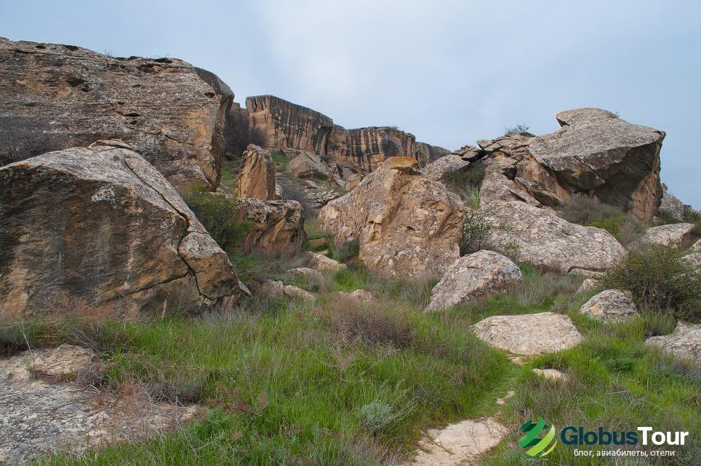 Скалы в Гобустане